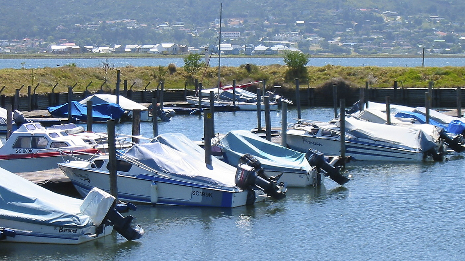 Leisure Isleboat club image by Andrew Aveley on the Knysna Eleco home page